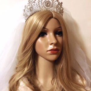 Bridal Headpiece Pearl Kiss