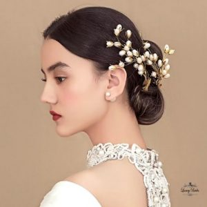 Bridal Headpiece Pearl Kiss